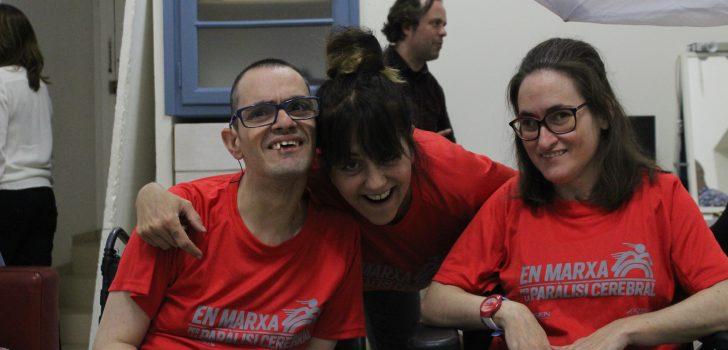 """Els protagonistes de la cursa solidària """"En marxa per la paràlisi cerebral"""". Qui són la Dèbora i en Javi?"""